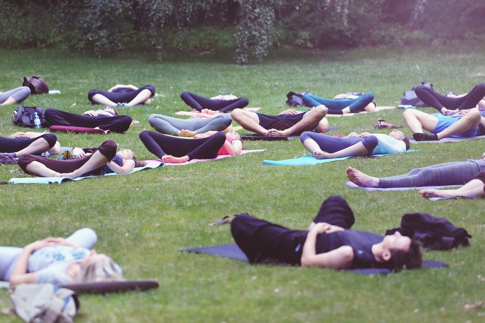 asanayoga_Yoga_im_tiergarten_outdoor_berlin_1