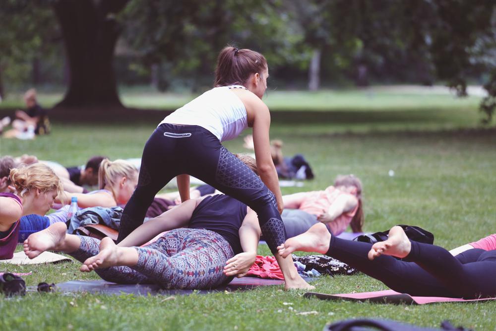asanayoga_Yoga_im_tiergarten_outdoor_berlin_11