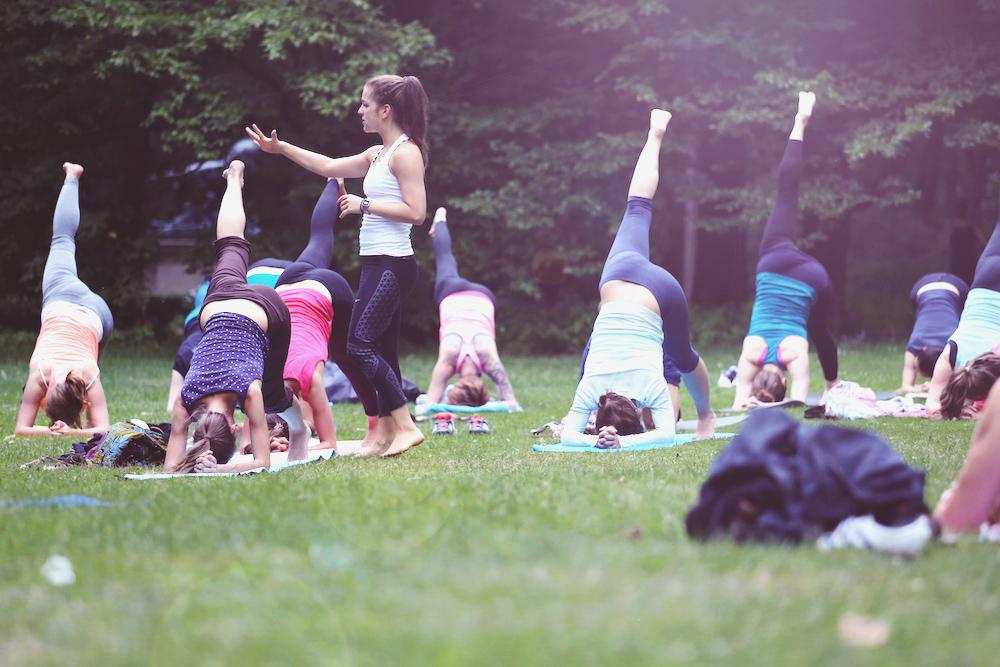 asanayoga_Yoga_im_tiergarten_outdoor_berlin_7