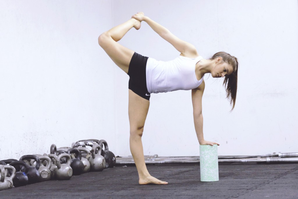 yoga_halbmond_blackroll_mady_morrison_crossfit_kettlebell_NEU