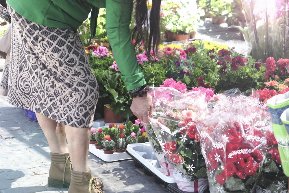markt_blumen_frau_malaga