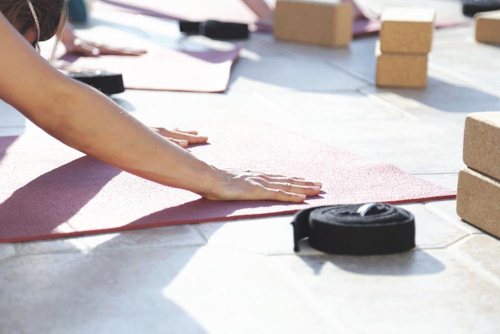 yoga_downdog_hands
