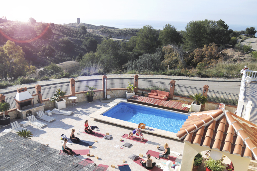 yoga_retreat_spirit_circle_pool