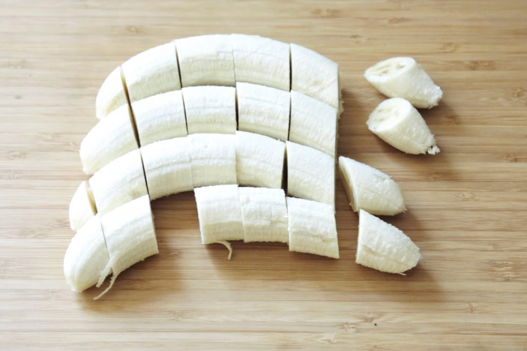 banana_cuttingboard_vegan