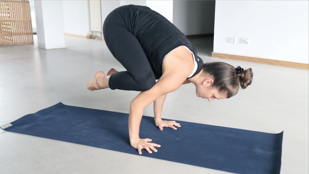 yoga_kraehe_bakasana_lernen