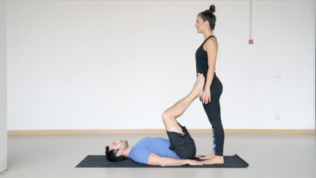 acroyoga_partneryoga_frontbird_yogacouple_4