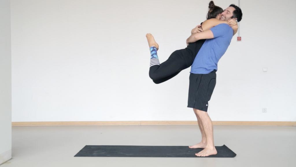 acroyoga_partneryoga_frontbird_yogacouple_love