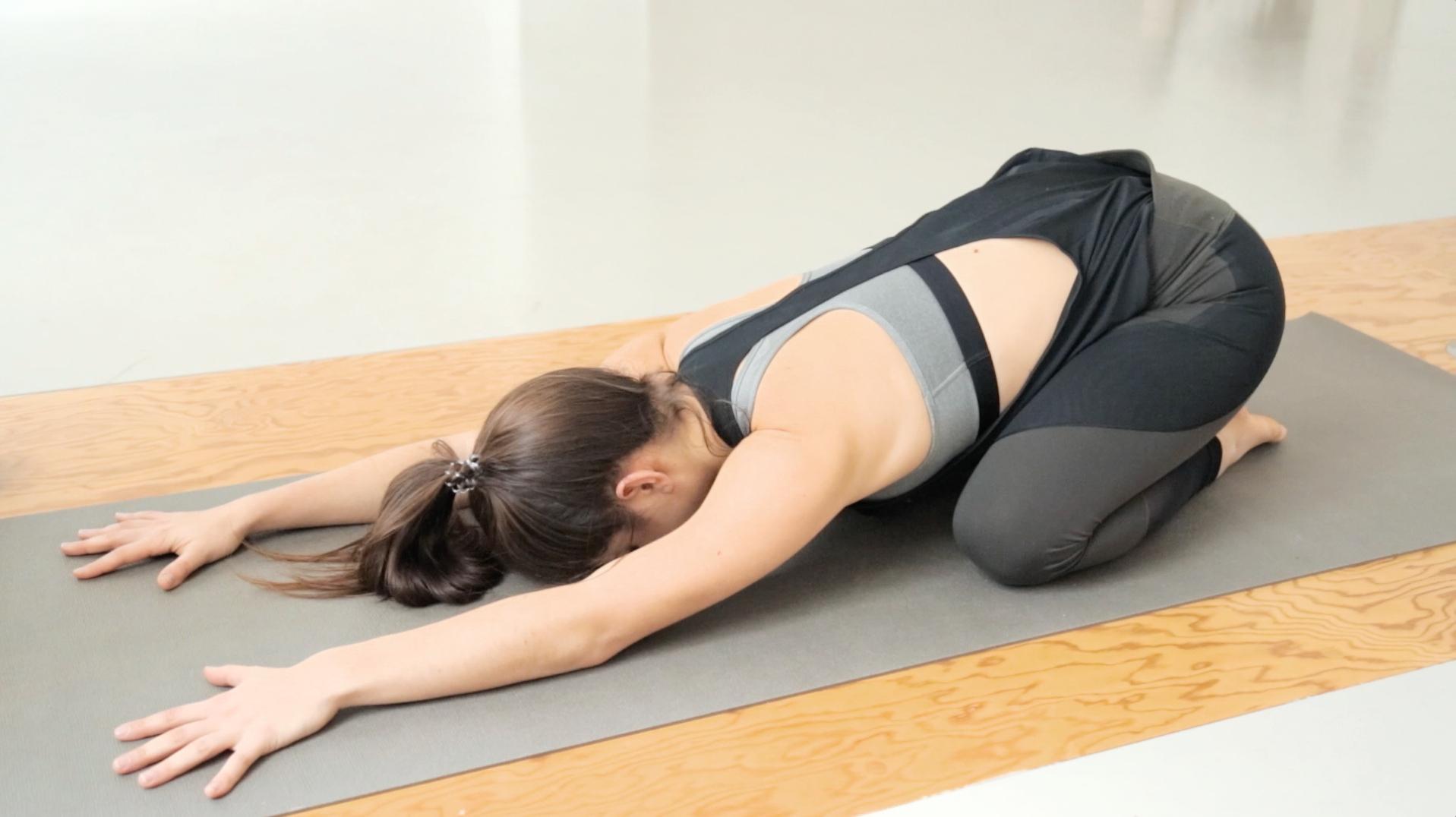 beine-po-booty-yoga-mady-morrison-05