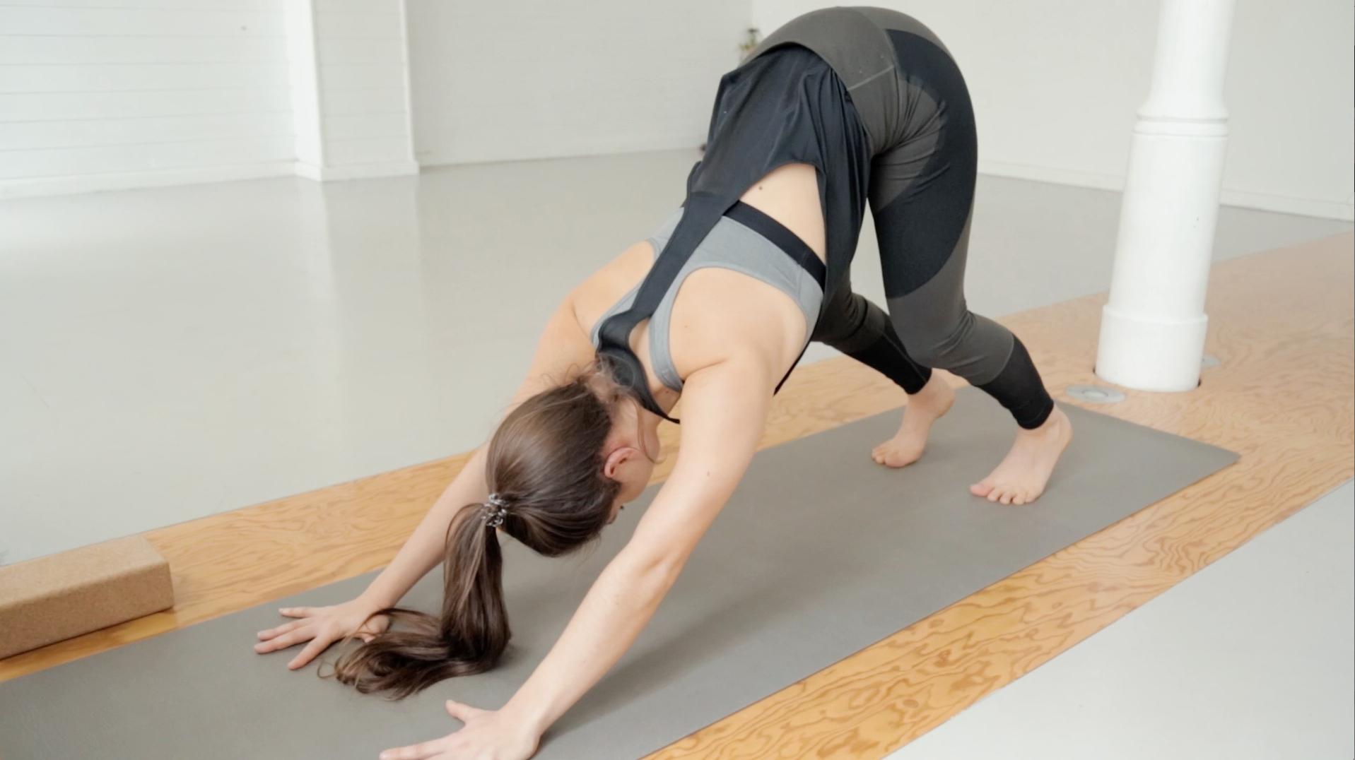 beine-po-booty-yoga-mady-morrison-06
