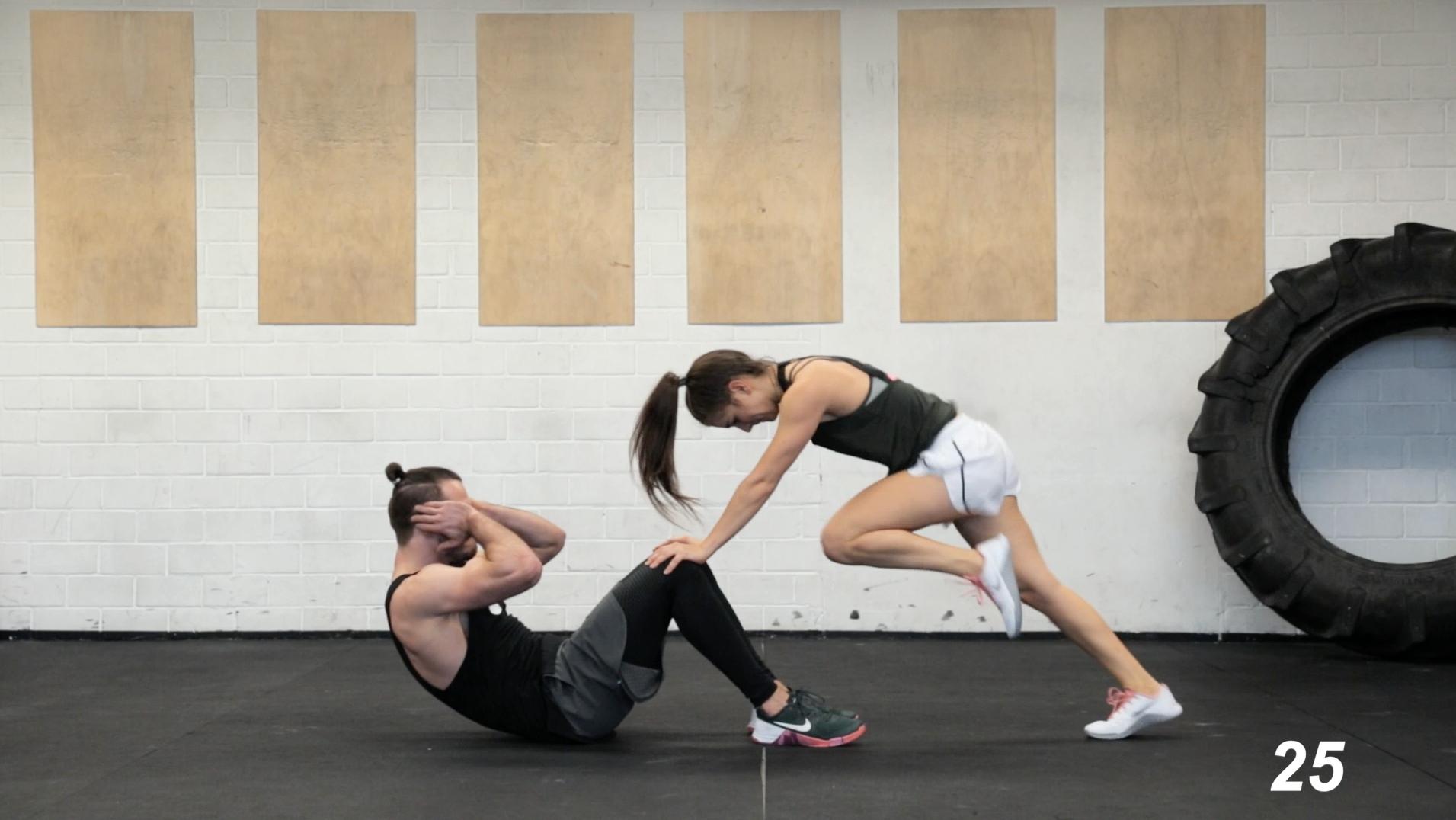 Partner-HIIT-Workout-Fatburning-11