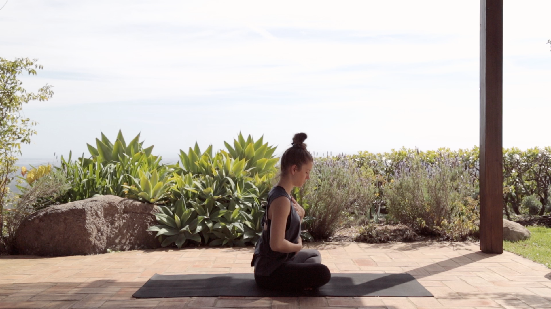 Yoga-Vinyasa-Flow-Mady-Morrison-3