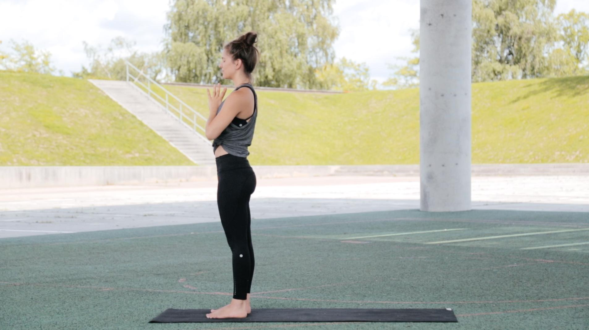 Mady-Morrison-yoga-Warrior-Flow-00017