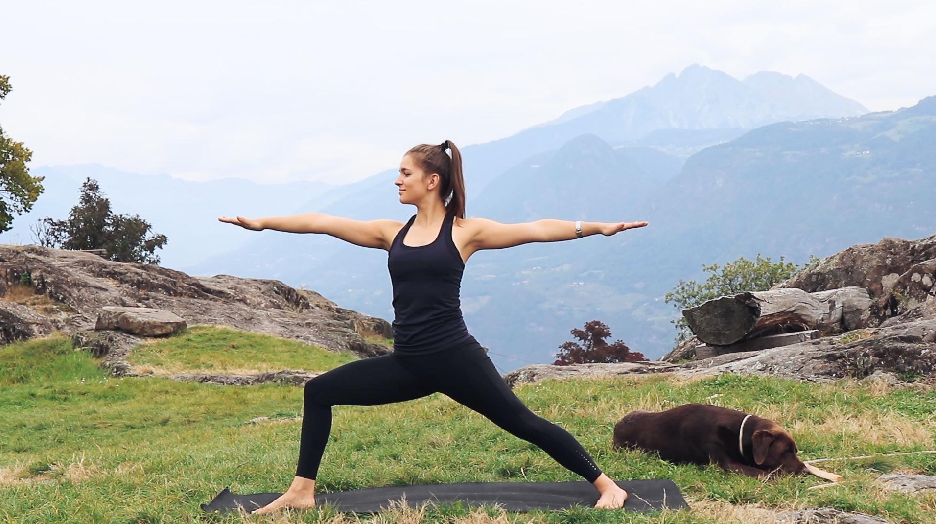 Mady-Morrison-Yoga-Mountain-Flow-Kraft-Staerke-00007