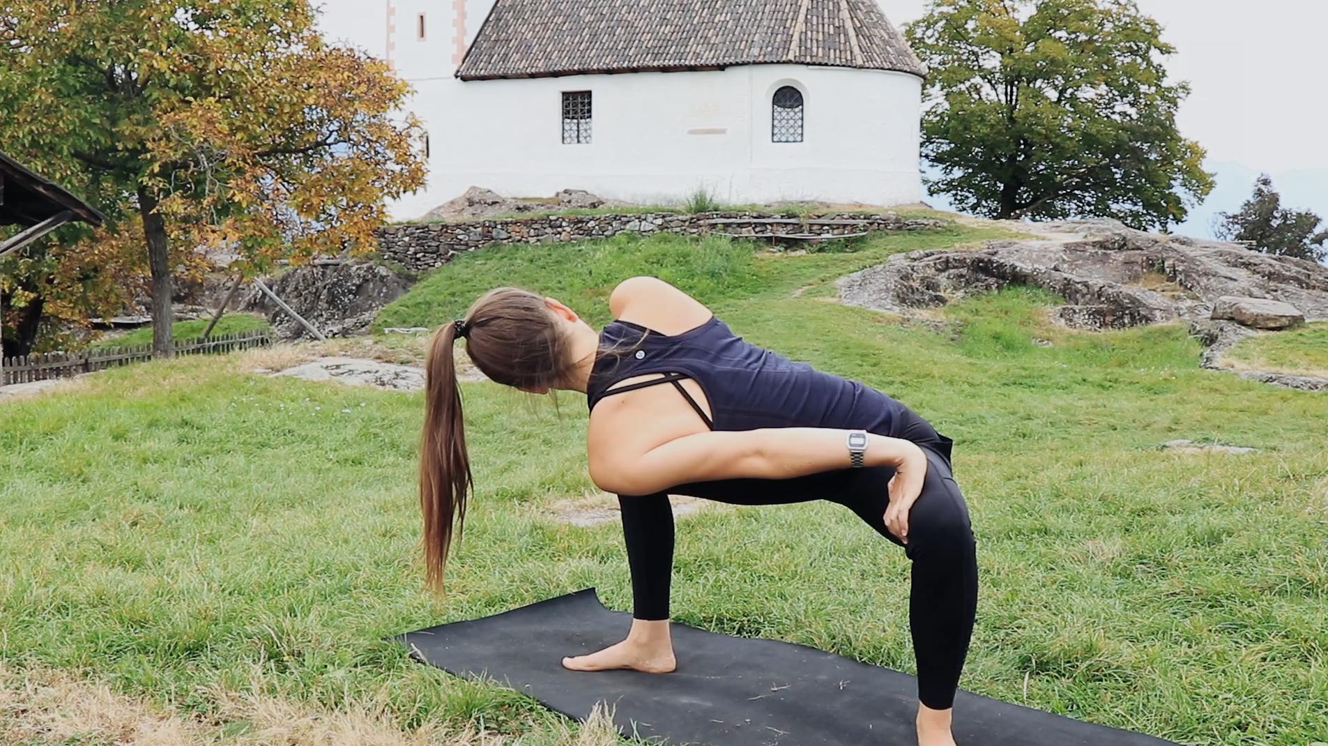 Mady-Morrison-Yoga-Mountain-Flow-Kraft-Staerke-00011